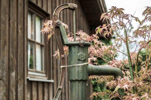 Choisir un abri de jardin bois ou métal ?