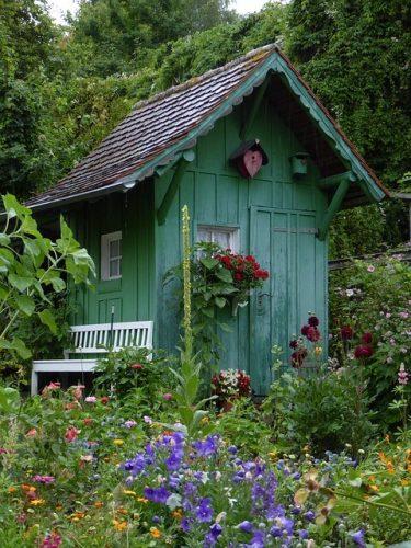 Se décider pour acheter un abri de jardin bois
